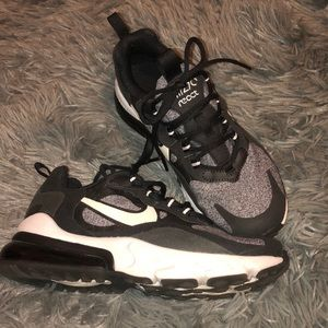 Air 270 react nike kids size 3.5 women size 5